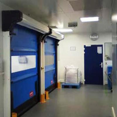 Puerta rápida autoreparable para salas blancas
