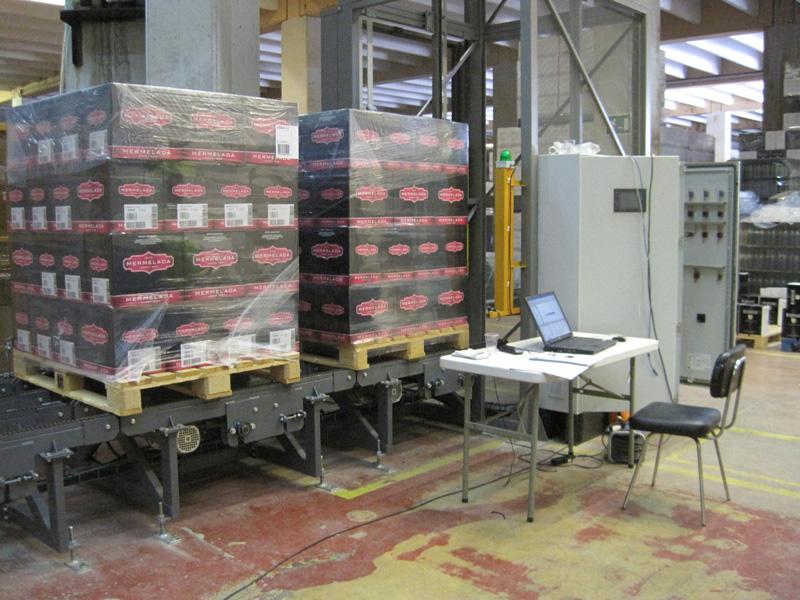 Elevador automatico de palets 0795