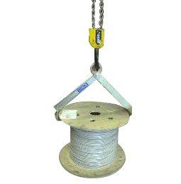 Implemento para sujección vertical de bidones y bobinas