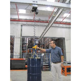 Implemento sujección vertical bidones bobinas 02