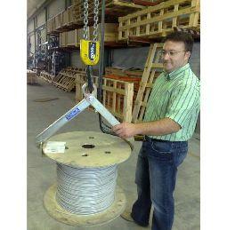 Implemento sujección vertical bidones bobinas 04
