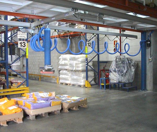 Vacuum manipulator for bags under aluminum bridge