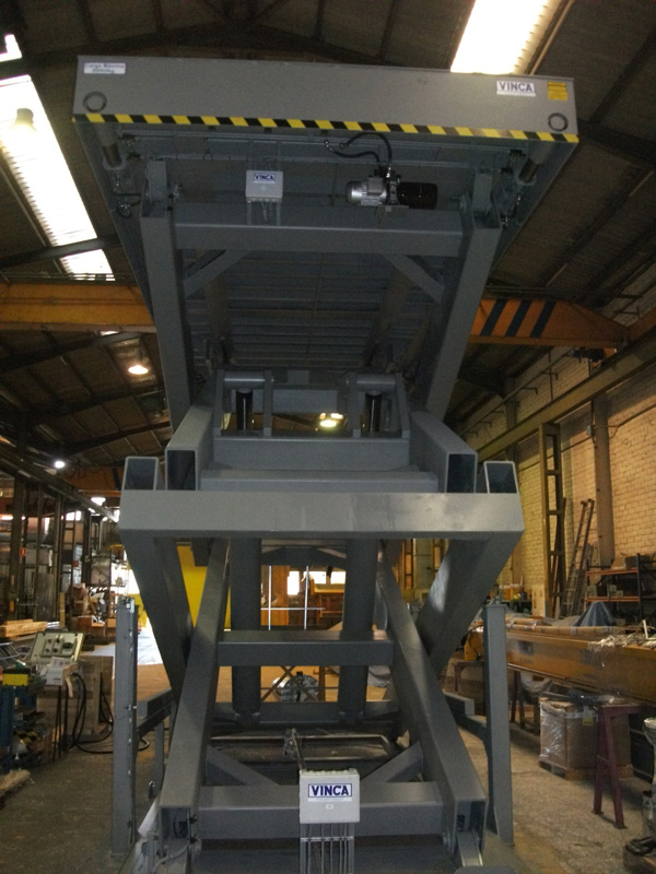 Container lifting tables 02
