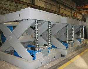 mesa-de-tijera-electromecanica-con-cadena-serapid.jpg