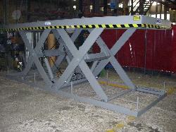 Mesa elevadora tandem con medidas bajo pedido