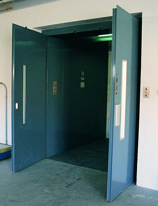 Montacargas mixtos puertas abiertas