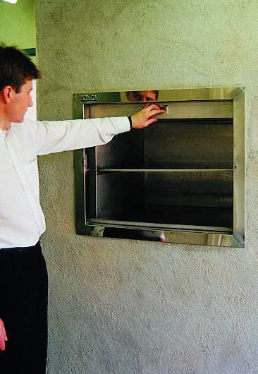 montacargas-mixto-puertas-04.jpg