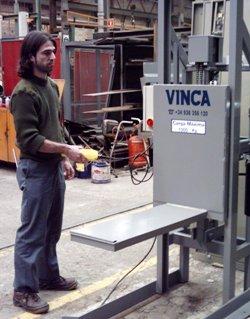Nivelador con botonera de mando