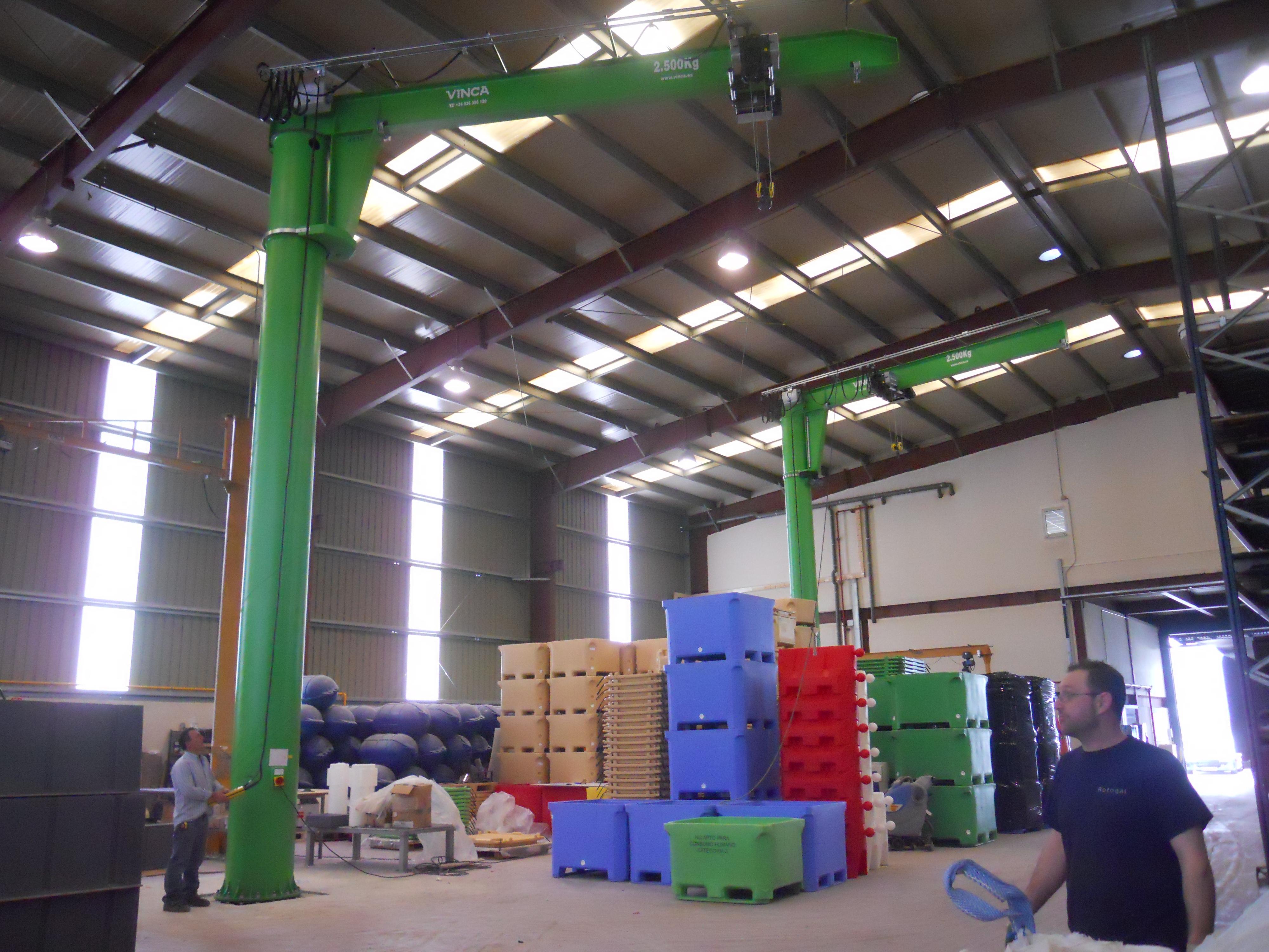 Pluma motorizada columna verde