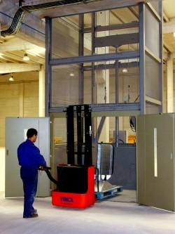 Plataforma elevadora y montacargas