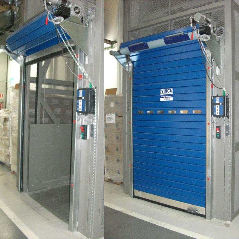 Plataforma con puertas enrollables motorizadas