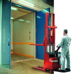 Cat freight elevator mitxto
