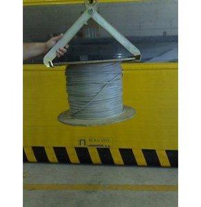 Implemento sujección vertical bidones bobinas 05