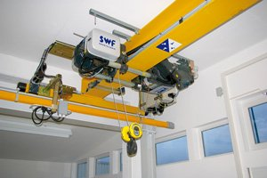 Electric wire rope hoist 02