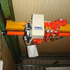 Vinca pneumatic hoist installed