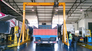 Light steel portico for trucks
