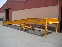 Mobile ramps for 90 loads