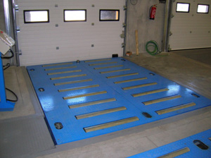 Aerial pallets transporters