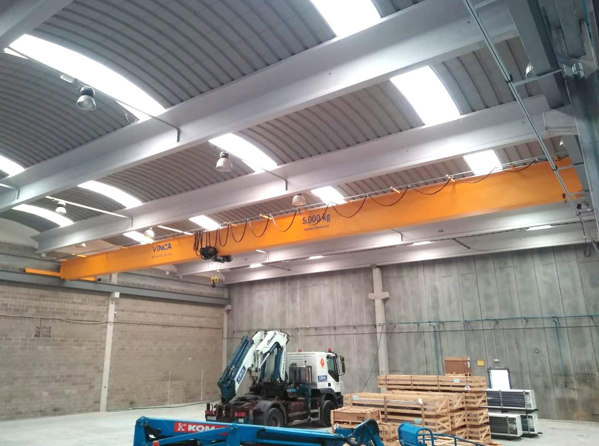 Proyecto eos refrigeration puente grua WA0009