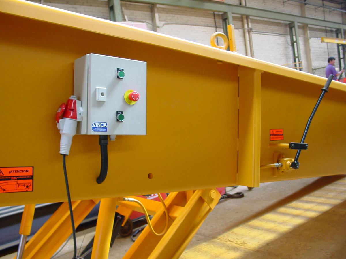 Rampa Móvil con Elevación Eléctrica