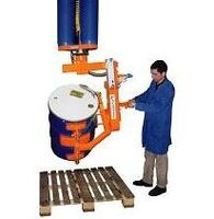 Vacuum trompex manipulator for drums and carafes