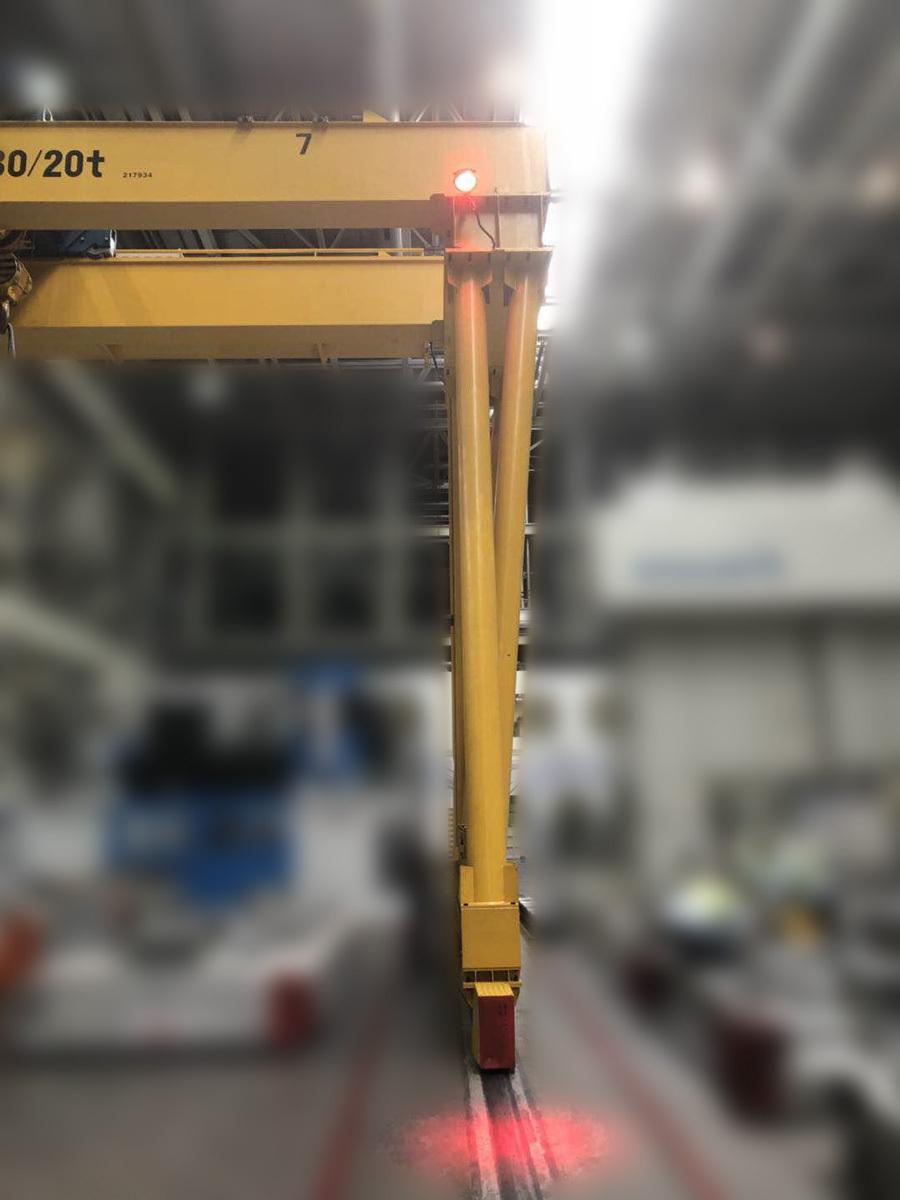 Modelo de Luces seguridad puente grúa