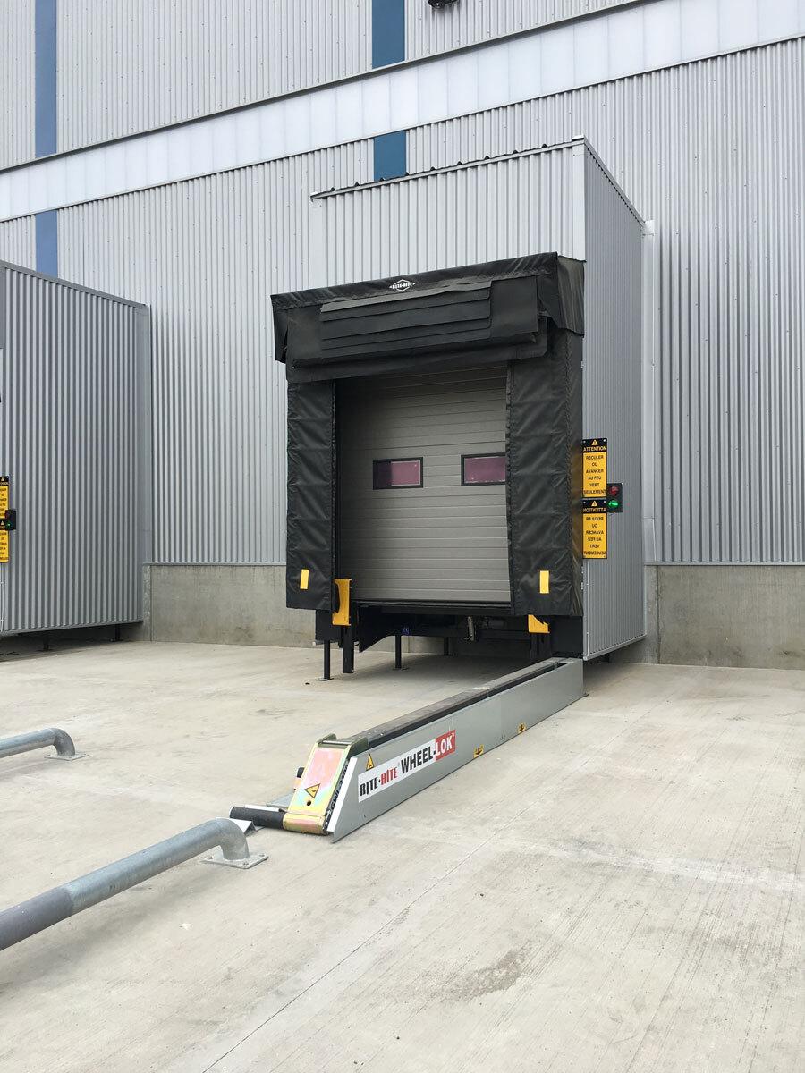 Muelle de carga con WHEEL-LOK