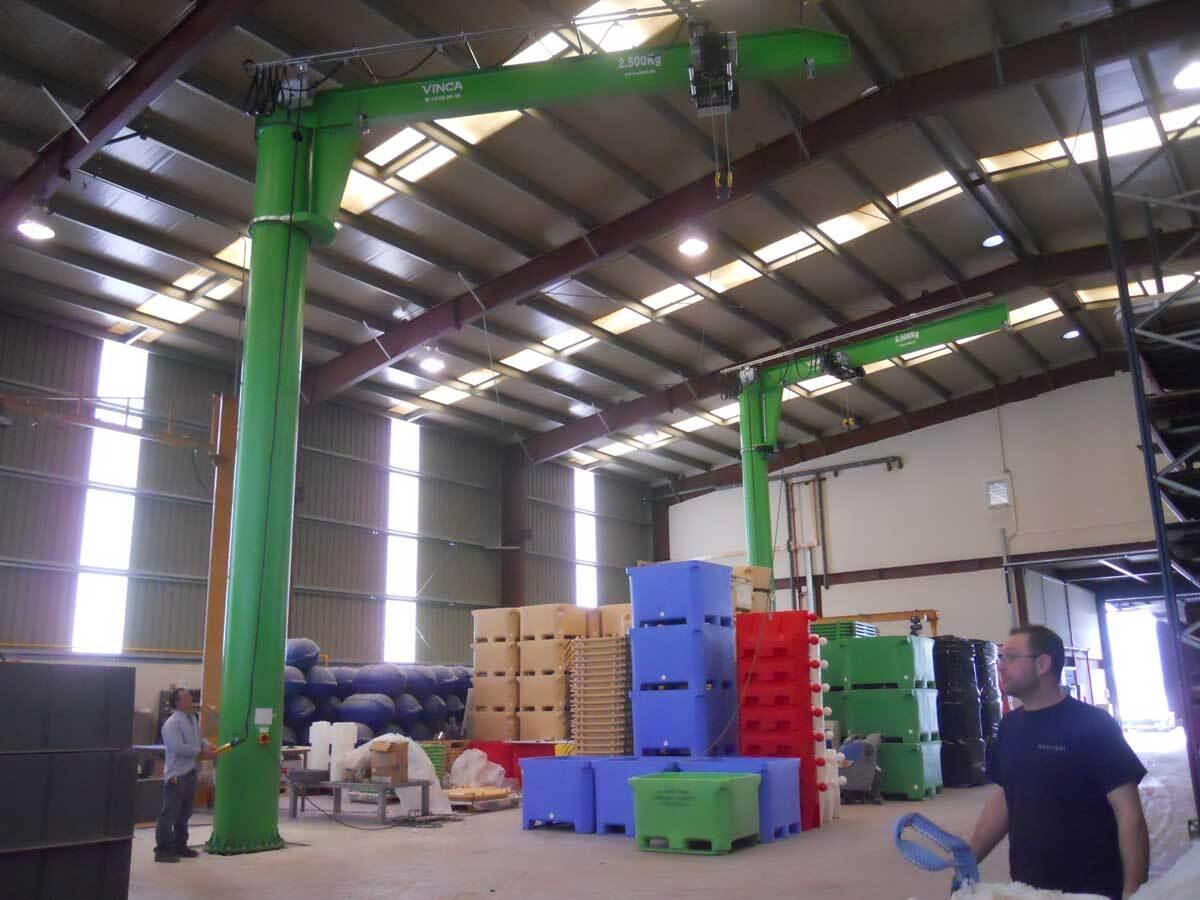 Green column powered boom