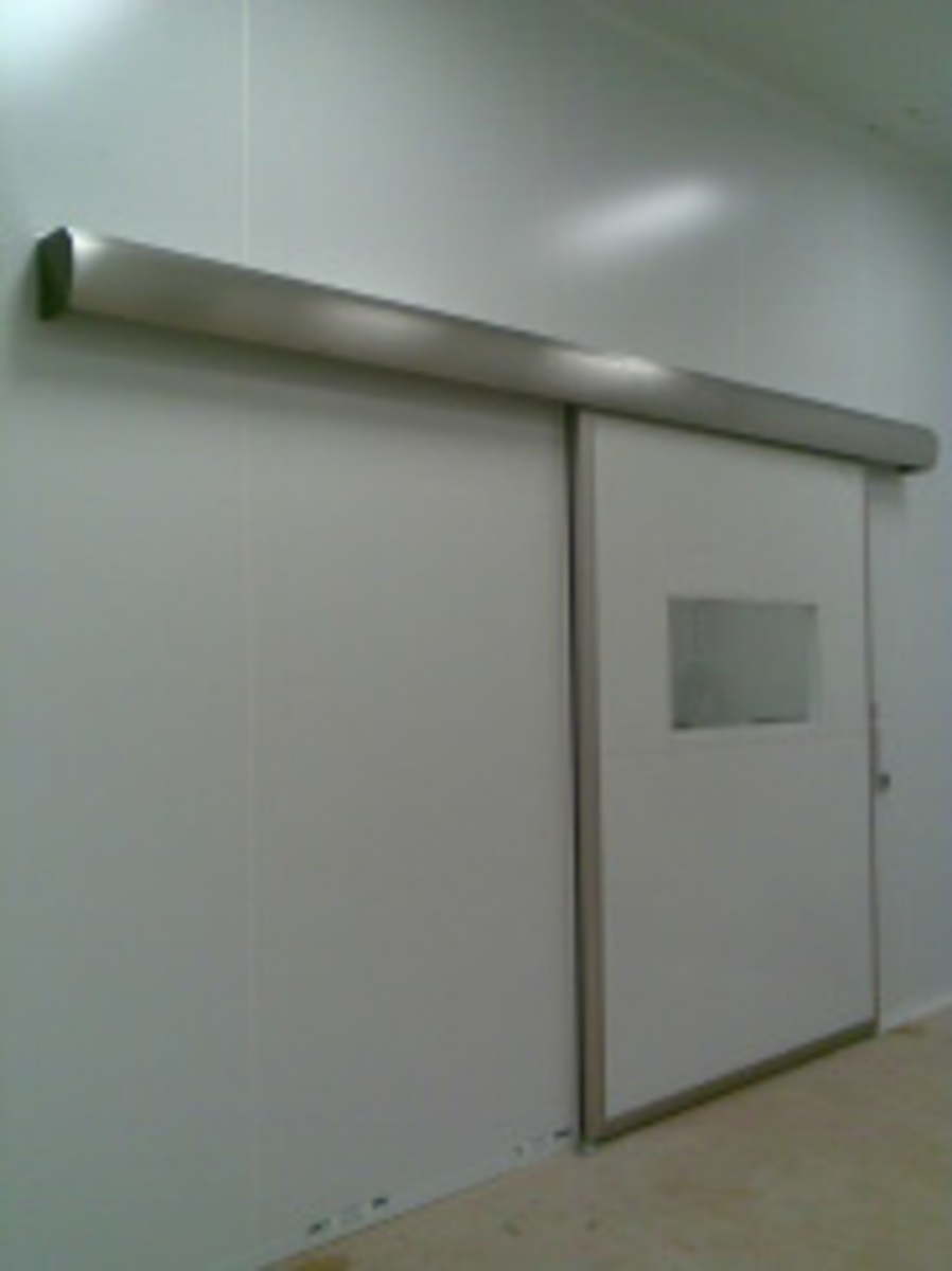 Roll-up door clean room 05