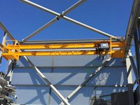 Proyecto B.BRAUN: Puente grúa birrail